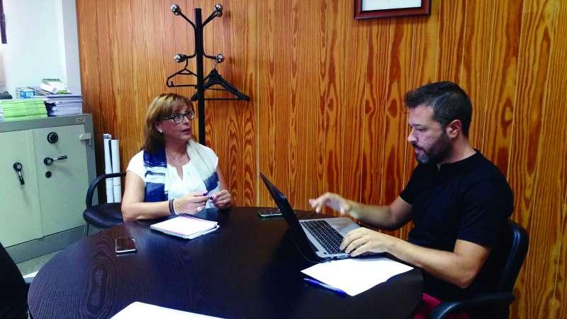 La presidenta de la Mancomunitat Camp de Túria, en un momento de la entrevista. //EPDA