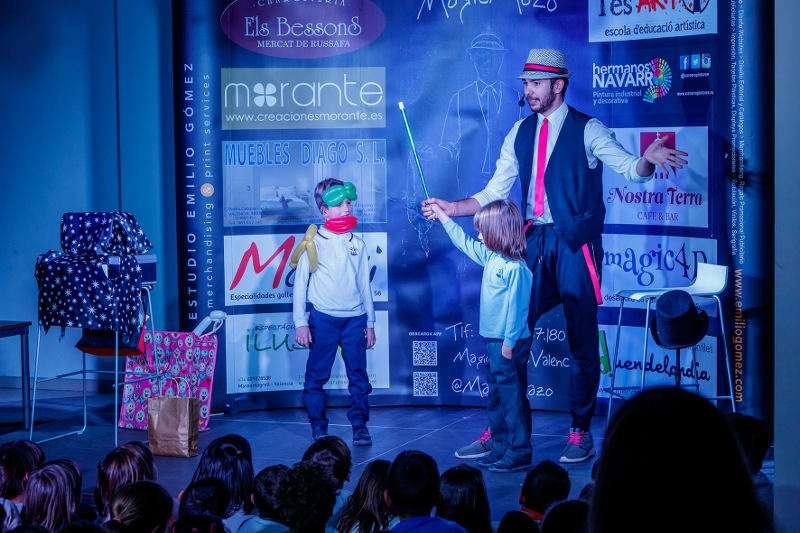 Actuación del Mago Mazo en La Fábrica de Mislata. EPDA