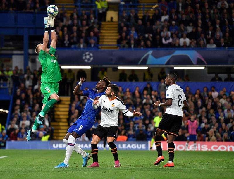 0-1. Rodrigo y Cillessen enrabietan al Valencia en Stamford Bridge A EFE/EPA/WILL OLIVER