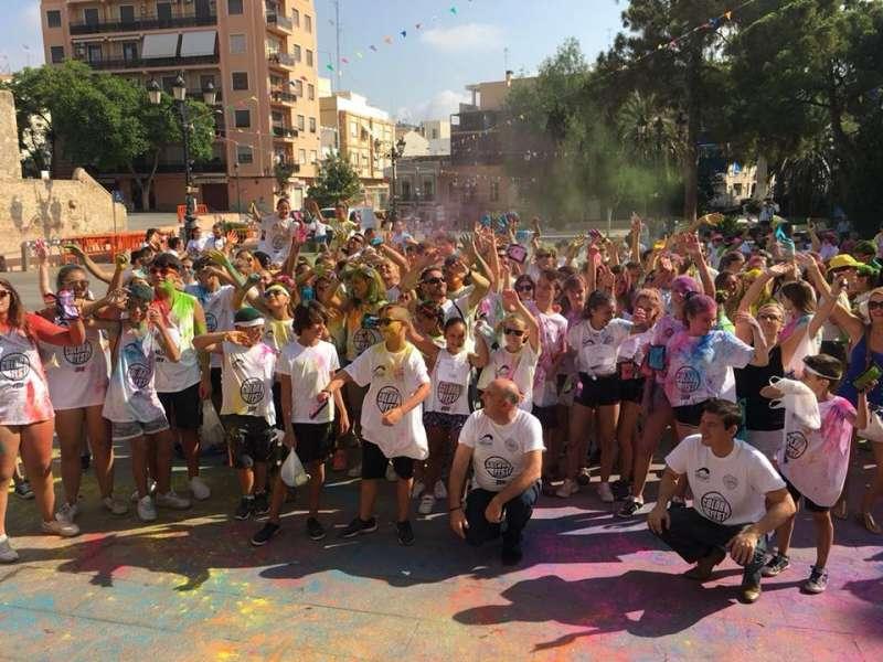 Participantes en la Color Fest