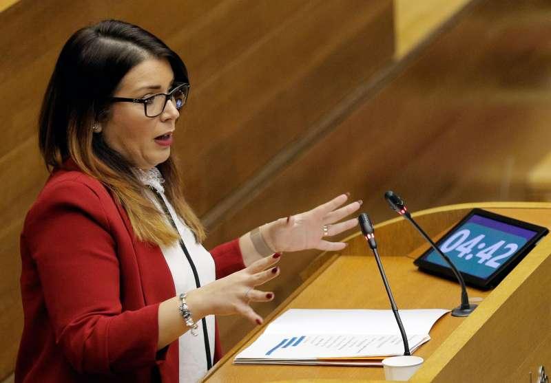 Mari Carmen Sanchez, durante una intervención en la sesión de control en Les Corts Valencianes. EFE