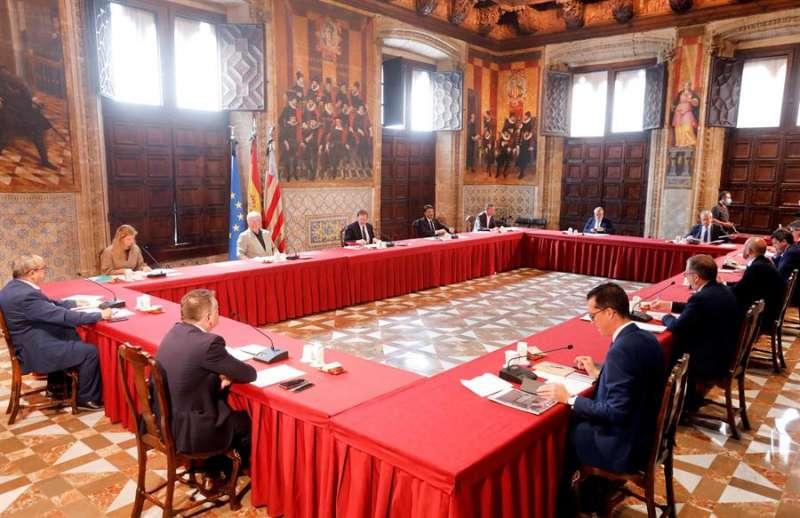 Primera reunión sobre el Acuerdo para la Reconstrucción de la Comunitat Valenciana con representantes del municipalismo. EFE/Kai Försterling