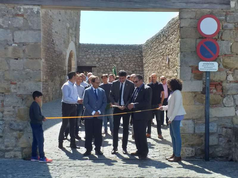Acto de inauguración con el conseller Vicent Soler.
