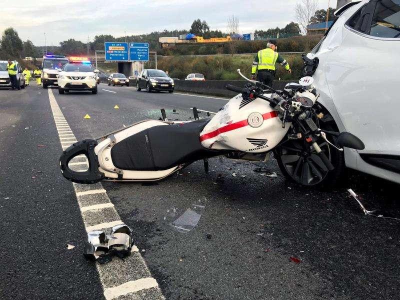 Imagen de archivo de un accidente en el que se vio implicado un motorista. EFE