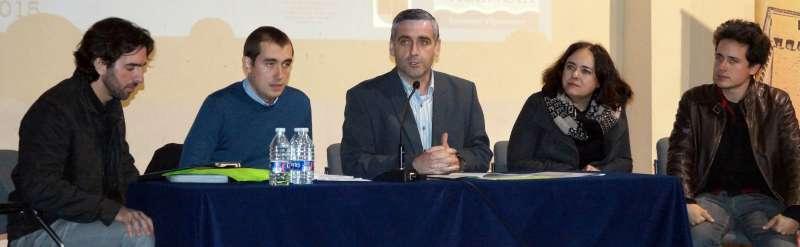 Intervenció de representants del grup format per Luis Cortés,Pep Pardo, Josep Congost, Jaume Pérez, Sofía Martínez i Santiago Tormo. FOTO LL. M.