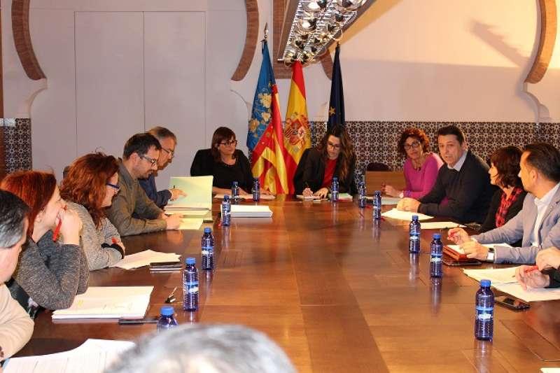 Momento de la reunión con representantes de diputaciones y de los ayuntamientos de Alicante, Castellón y Valencia para coordinar el proyecto