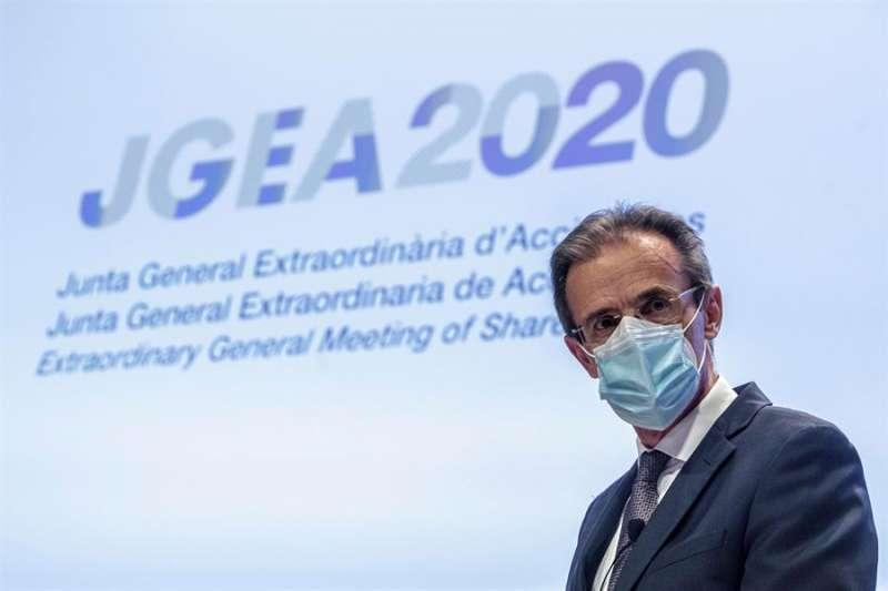 El presidente de CaixaBank, Jordi Gual , durante la junta de accionistas de CaixaBank