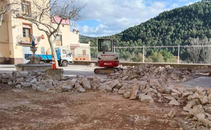 Obras en la plaza. Foto: M.Requeni
