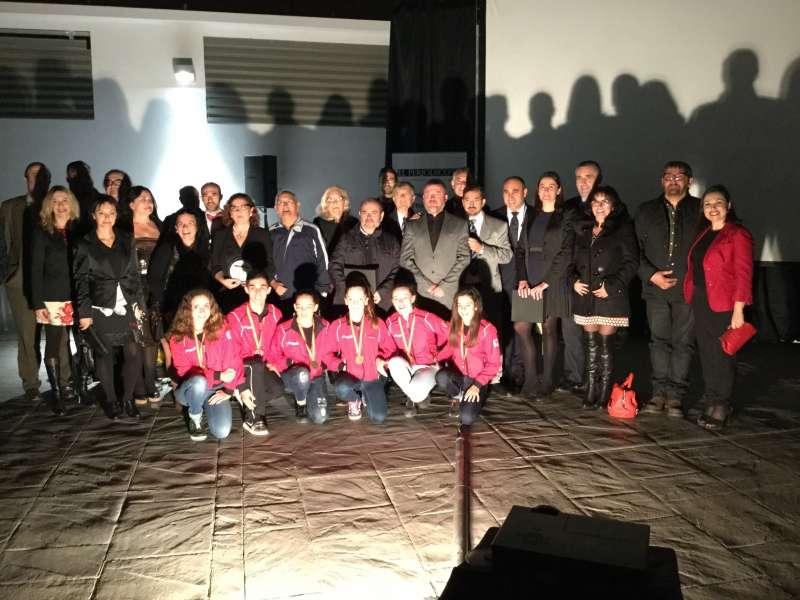 Fotografía de todos los premiados de los IV Premios del Camp de Morvedre. EPDA
