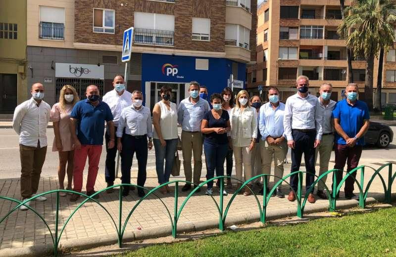 Alcaldes y portavoces del PP con Olano