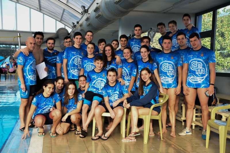El nataci n morvedre compite en su feudo con buenos resultados for Piscina municipal manises