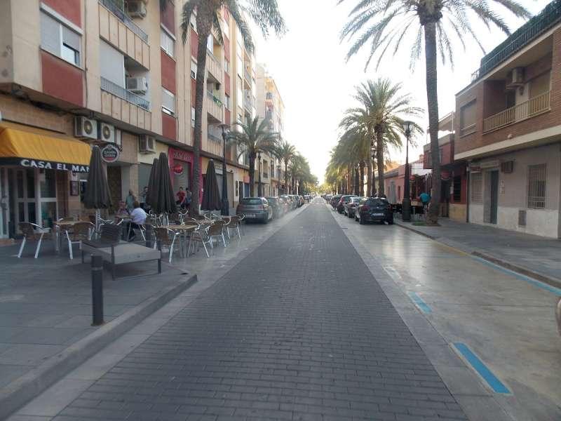 Una de las calles de Riba-Roja. //EPDA