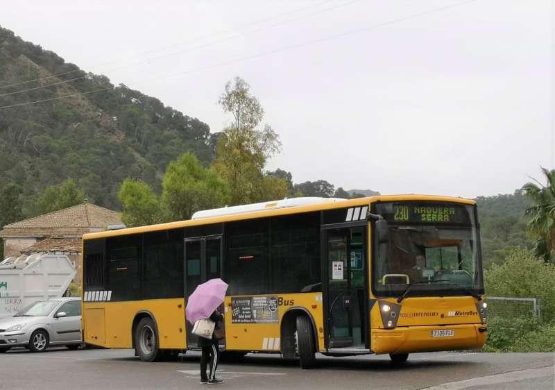 Un bus donant servei en Serra. / EPDA