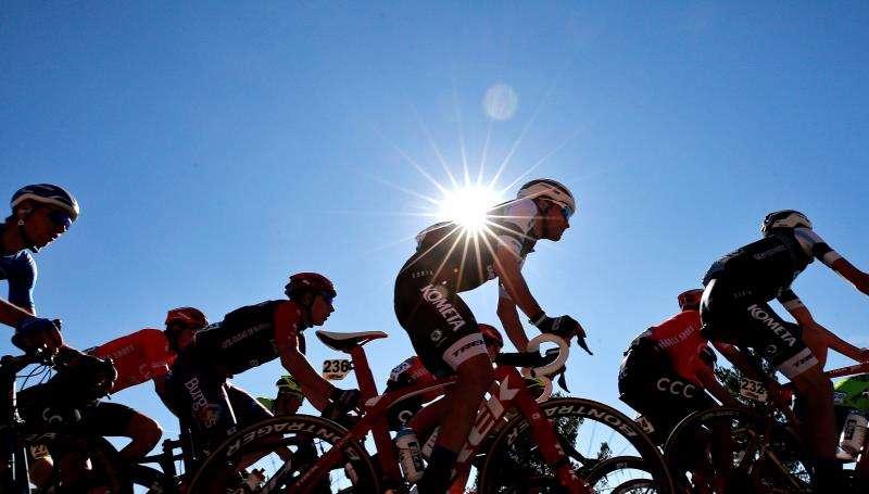 El pelotón durante una anterior prueba ciclista en la Comunitat Valenciana. EFE/Archivo