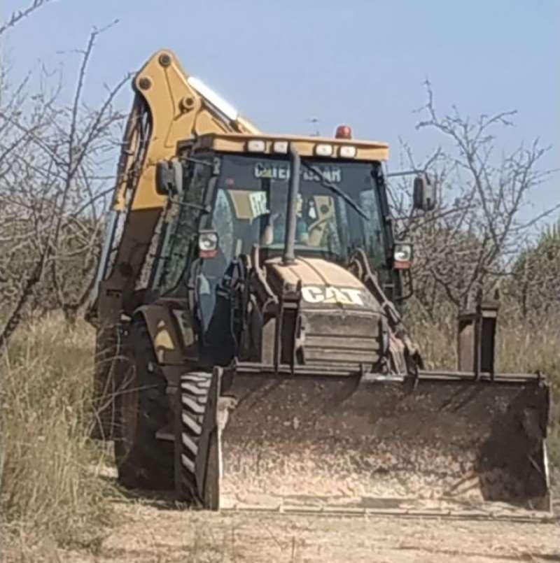 Máquina excavadora en el paraje de Godella. EPDA