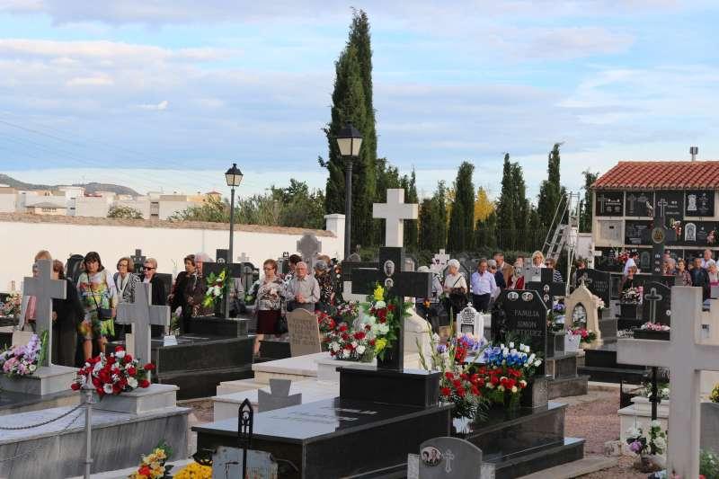 Resultado de imagen de cementerio de Benavites