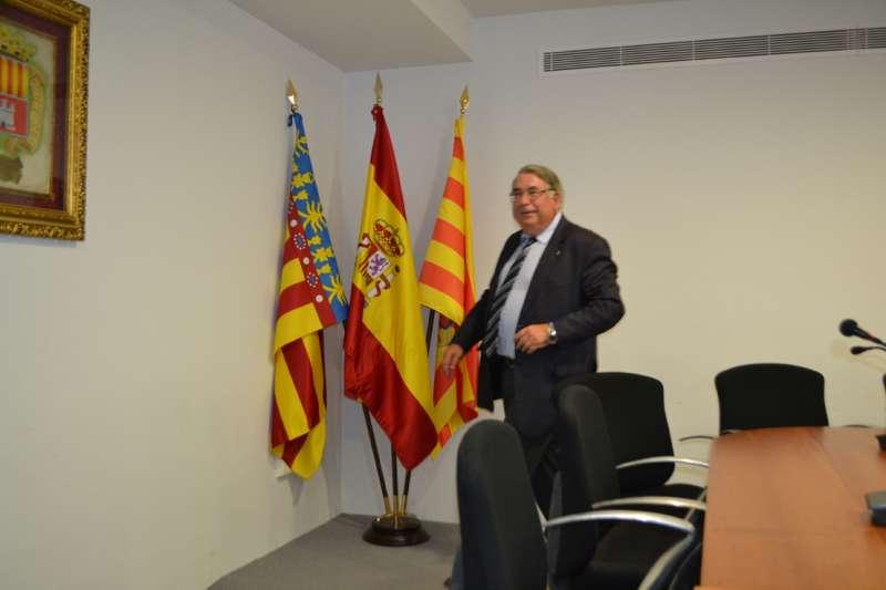 Sancho, ex secretario de Canet y ex abogado del Ayuntamiento de San Antonio de Benagéber. FOTO P. V.