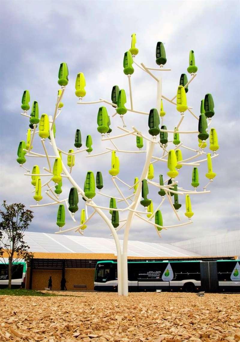 Prototipo de los árboles que el Ayuntamiento de València