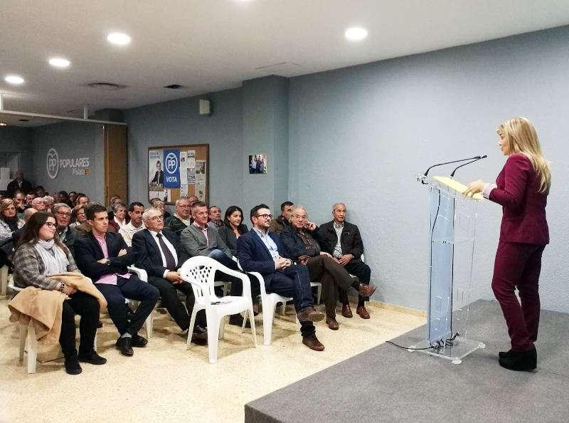 Eva Orti celebrando el 25 Aniversario del PP de Mislata. EPDA
