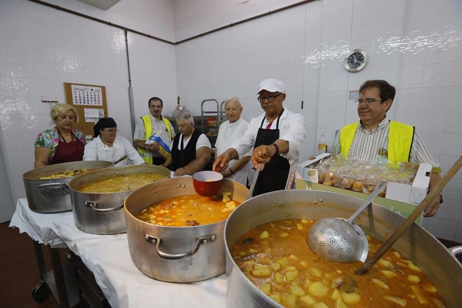 Mercadona entrega más de 700 kilos de alimentos para los desayunos y ...