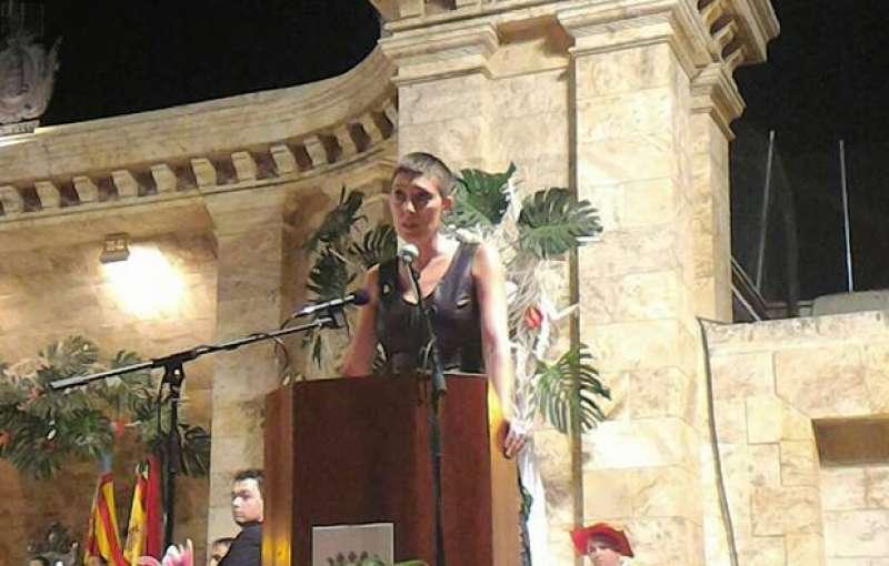 Anna Juesas como mantendora en el recinto del Botánico Pau