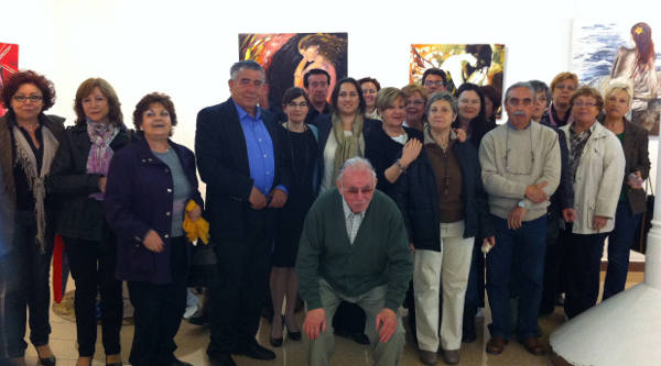 La concejala de Cultura con las artistas en la inauguración de la muestra. EPDA