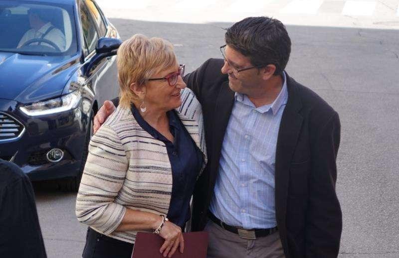 Foto de archivo de la consellera de Sanidad, Ana Barceló, y el alcalde de Ontinyent, Jorge Rodríguez. EFE/Ayuntamiento de Ontinyent.
