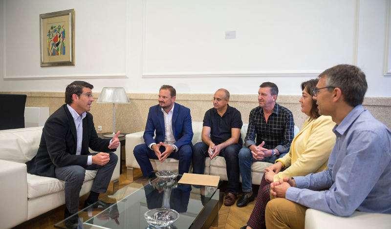 Rodríguez con los alcaldes de Silla y Beniparrell y la alcaldesa de Alcàsser. EPDA