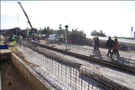 Inicio de obras para la pasarela en Puçol. Foto: Sergio Maestro