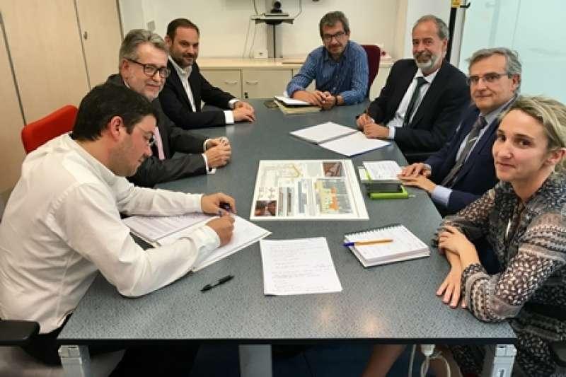 Marí se reúne con responsables de Adif. EPDA