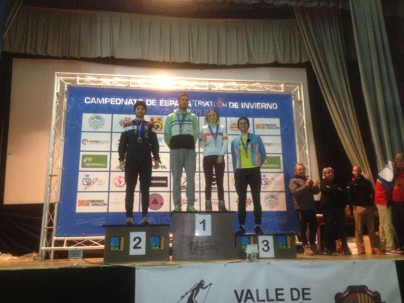 Alba Martín, Gerard Bailach y Beatriz López, del CEA Bétera, triunfan en el Campeonato de España de Triatlón