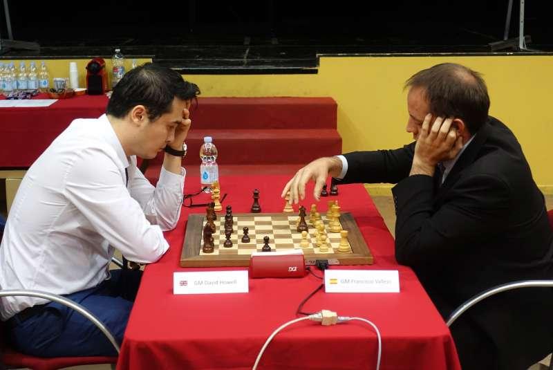 Imagen de archivo de Paco Vallejo y David Howell en un torneo