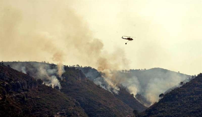 Incendio forestal de Llutxent (Valencia) en agosto de 2018. EFE/Manuel Bruque/Archivo