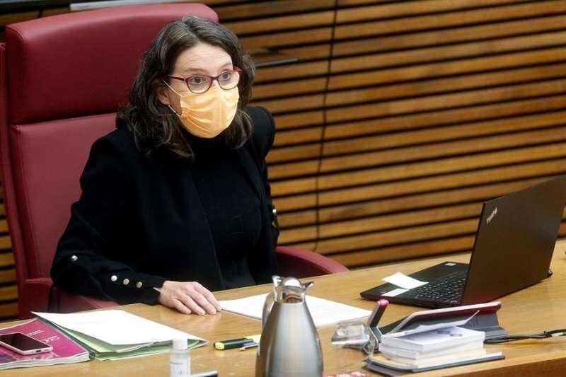 La vicepresidenta del Consell y consellera de Igualdad y Políticas Inclusivas, Mónica Oltra, en Les Corts. EFE