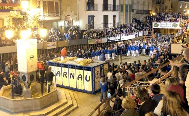 Mucho público a pesar de la lluvia. Foto: M. Martín