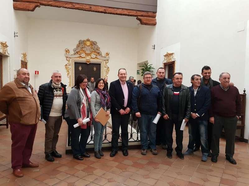 Presents a la signatura de les bases del concurs de mascletaes de les Falles del 2018 d