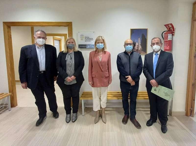 La consellera ha visitado la Oficina de Atención a las Víctimas del Delito de Utiel