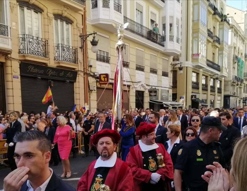 Ferrer San Segundo (de rosa) junto a Catalá en el 9 d