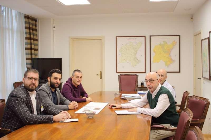 Reunión para tratar el proyecto. EPDA