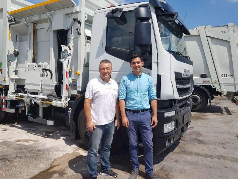 Nuevo camión de recogida de basura . EPDA