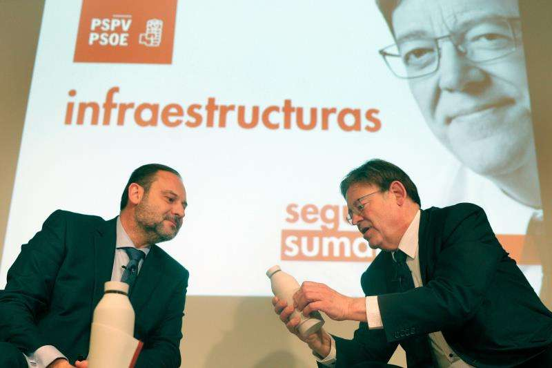 El ministro de Fomento, José Luis Ábalos y el president Pûig. EFE
