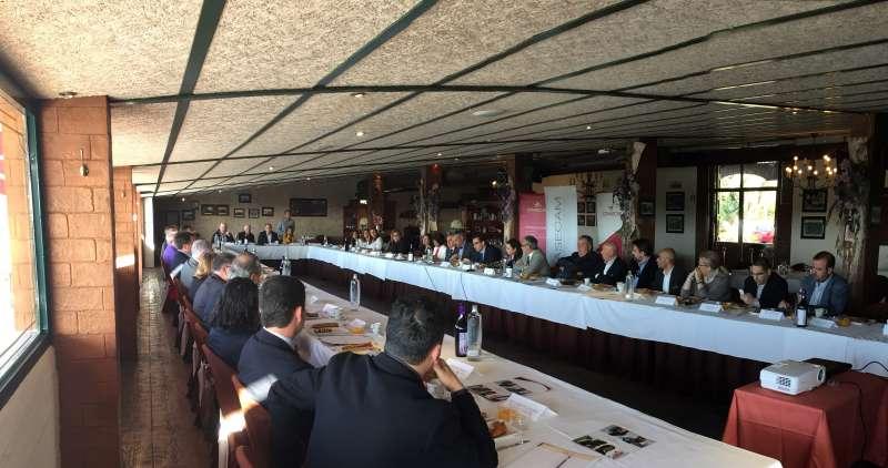 Los empresarios en la reunión. EPDA
