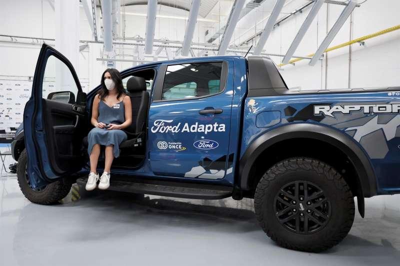 El presidente de Ford España, Jesús Alonso, y el presidente del Grupo Social ONCE, Miguel Carballeda, presentan Ford Adapta, un programa para normalizar el acceso a la movilidad de las personas con discapacidad