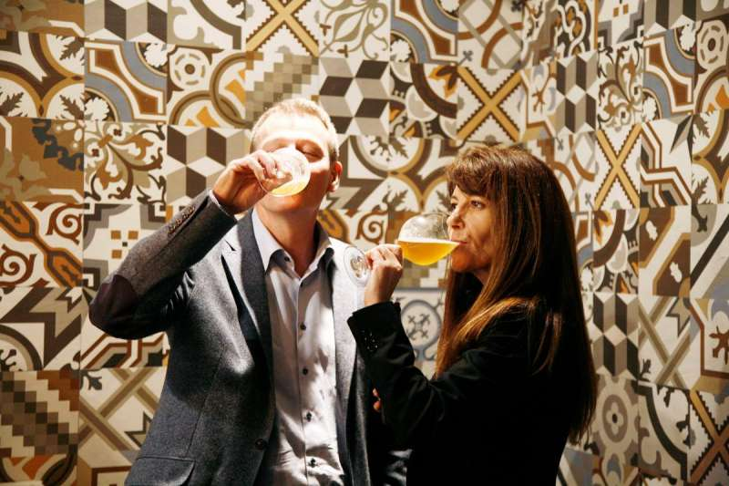 Christian Jardel, consejero delegado de Bierwinkel y Manuela Romeralo, Premio Nacional de Gastronomía. EPDA