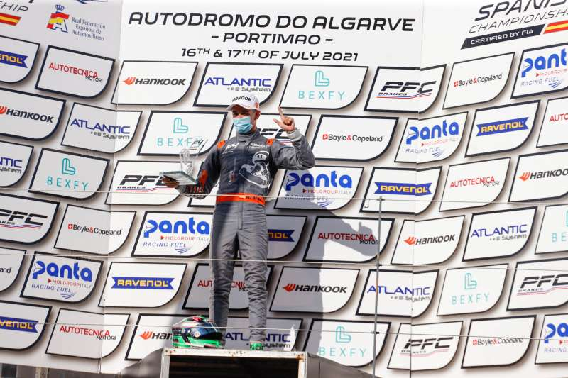 Dani Maciá en el podio