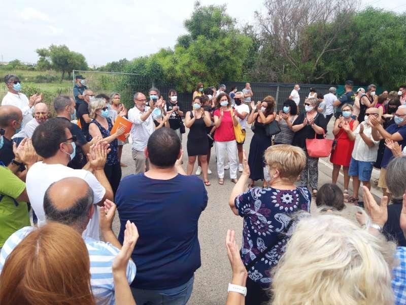 Nombrosses persones acudiren el dia de la moció a Massalfassar. EPDA