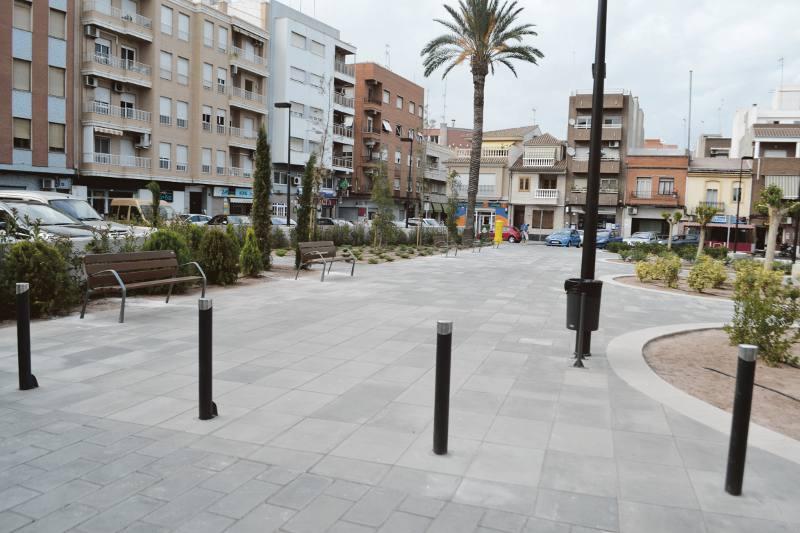 Estado actual de la plaza 1 de Mayo de Puerto de Sagunto. EPDA