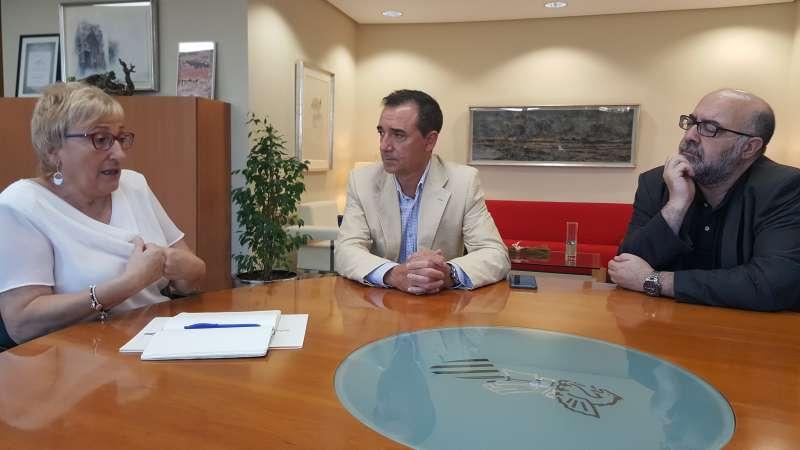 Sanidad buscará una solución a la problemática de accesibilidad y falta de espacio del Centro de Salud de Riba-roja