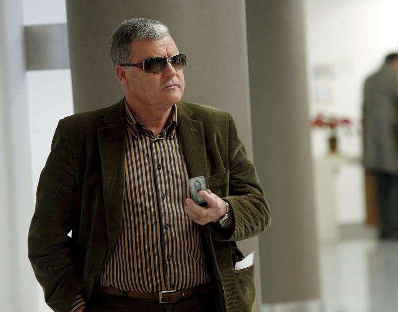 El alcalde de Cabanes en 2010, Artemi Siurana, al que la Fiscalía pide inhabilitar 10 años. EFE/Archivo
