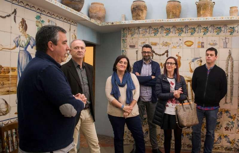 La vicepresidenta de la Diputació en la seua visita a La Ribera Alta. FOTO EPDA